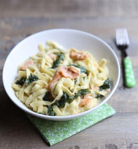 poireau cuisine one pot pasta tagliatelles aux épinards et saumon fumé