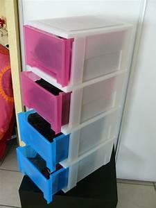 Tiroir Plastique Empilable : lot de 4 caissons tiroirs en plastique vide appart stef ~ Edinachiropracticcenter.com Idées de Décoration