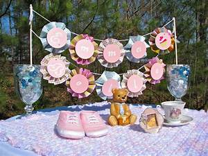 Lots of Baby Shower Banner Ideas (+ Decorations)