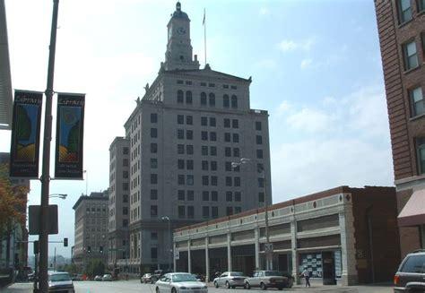Davenport Bank And Trust