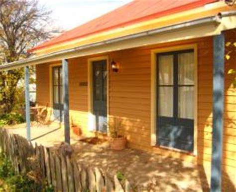 cooma cottage cooma cottage accommodation snowy mountains