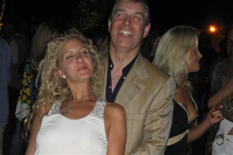Who is Chris Von Aspen and when was she pictured with ...