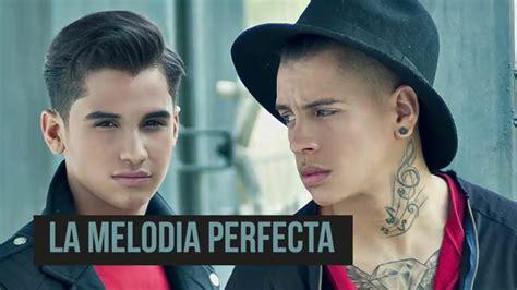 """Entre Gritos Recibieron A """"la Melodía Perfecta"""", Con Su"""