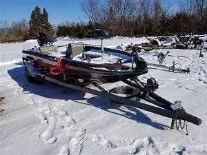 1988 Champion 17 5 Foot Fishing Boat W   Mercury Outboard