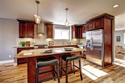 mahogany wood kitchen cabinets mahogany maple j5 7327