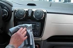 Comment Nettoyer Des Sièges De Voiture : comment nettoyer votre voiture avec des produits naturels blog vpauto l 39 actualit automobile ~ Melissatoandfro.com Idées de Décoration