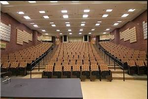 The 6 Best UI Lecture Halls To Nip Out In
