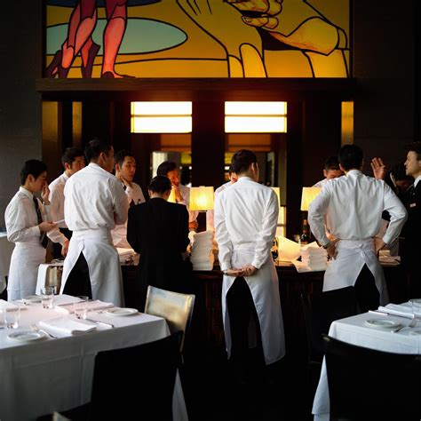 cuisine am駭ager what does a restaurant manager do