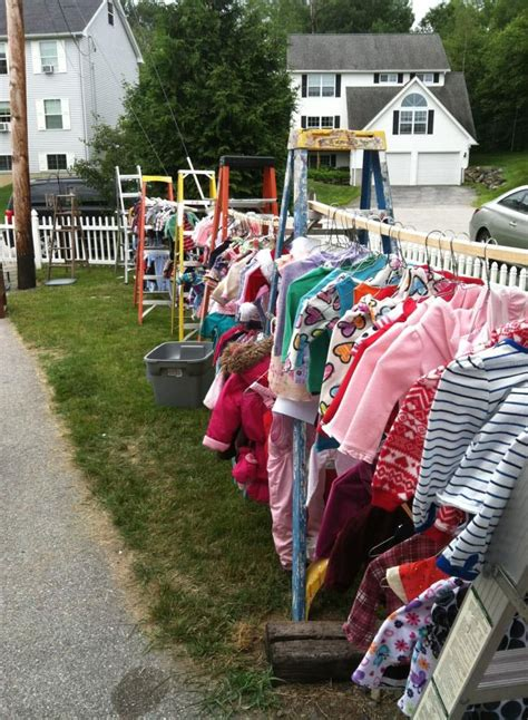 How To Price Clothes For A Garage Sale by A Fabulous Way To Set Up Hanging Clothes For A Yard Sale
