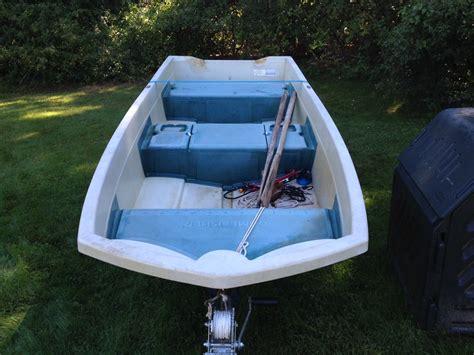 Sears Gamefisher Boat by 1979 Sears Gamefisher 12 Fiberglass Trihull The Hull