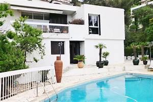 Location maison avec piscine toulon for Belle piscine de particulier 10 accueil location de villa en guadeloupe
