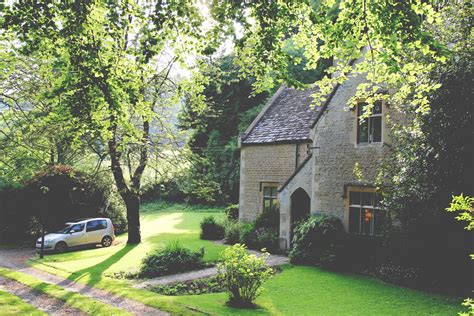 cottage cotswolds owlpen manor cotswold cottages self catering