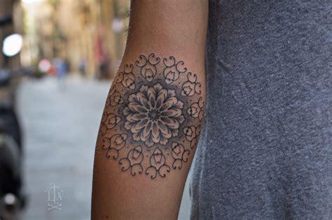 filigrane tattoos handgelenk sch 246 ne schattierung und sehr filigran ideen mandala t 228 towierung und