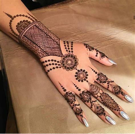Tatouages  50 Inspirations De Motifs Au Henné Pour Un été