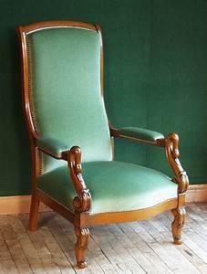 Fauteuil Style Voltaire : restaurer un fauteuil style voltaire ~ Teatrodelosmanantiales.com Idées de Décoration