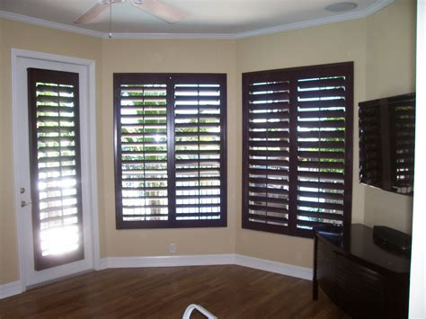 blinds and shutters 1000 images about plantation shutters yes on