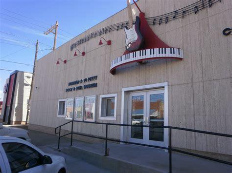 outside the Petty museum :: Joe Nick Patoski