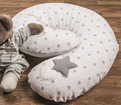 Cuscino Per Allattare Cuscino Per L Allattamento Una Mamma