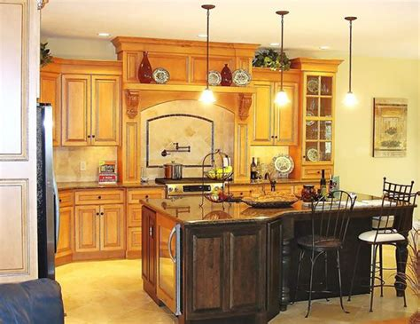 decorations for kitchen cabinets 33 best kitchen islands images on home ideas 6490