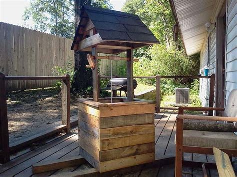 garden wood projects  add personality   lawn diy