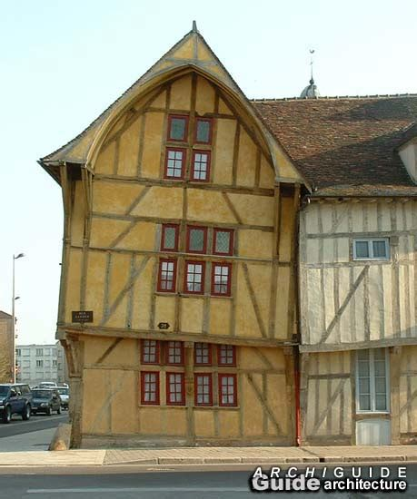 architecture in troyes archiguide