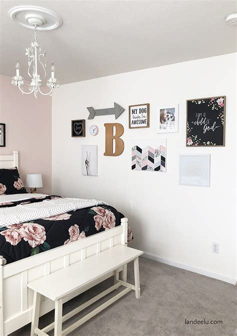 Forget gallery walls—curtain walls are just as easy, stylish, and effective in a small space. Darling DIY Wall Decor for Girl's Bedroom! - landeelu.com