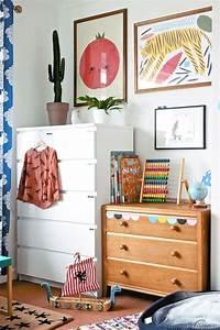 1001 idees pour la decoration chambre bebe fille With chambre bébé design avec grand pot de fleur noir