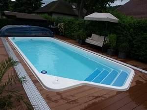 Piscine Coque Pas Cher : installer une petite piscine coque le luxe est d j ~ Mglfilm.com Idées de Décoration