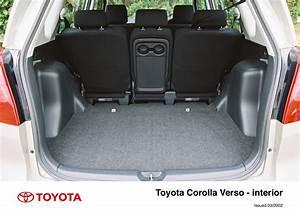 Toyota Verso Dimensions : corolla verso interior 2002 2004 toyota uk media site ~ Medecine-chirurgie-esthetiques.com Avis de Voitures