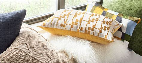 how many throw pillows on a sofa throw pillows for sofa thedailygraff com