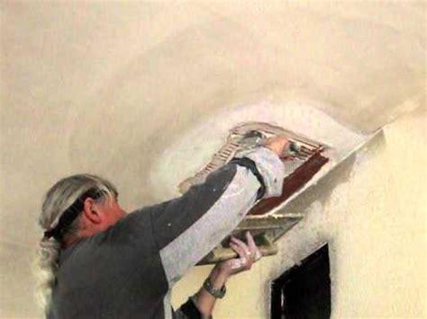 bouchage d un trou au plafond