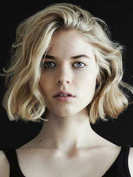attractive short wavy hairstyles    trend spotter