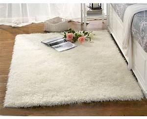 le tapis blanc style souligne les details colores a la maison With tapis de gym avec canapé doux