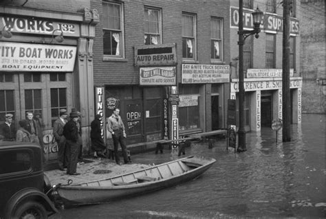 Phoenix Boats Winchester Tn by Louisville Ky Pics 1936 Ohio River Flood