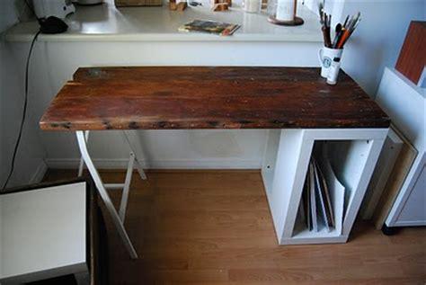 diy reclaimed wood desks   home office shelterness