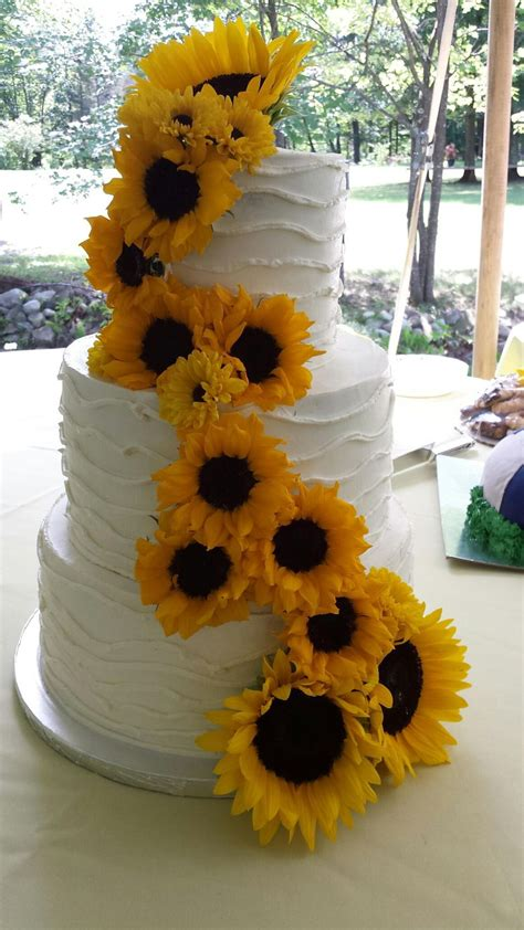 Summer Sunflower Wedding Cake