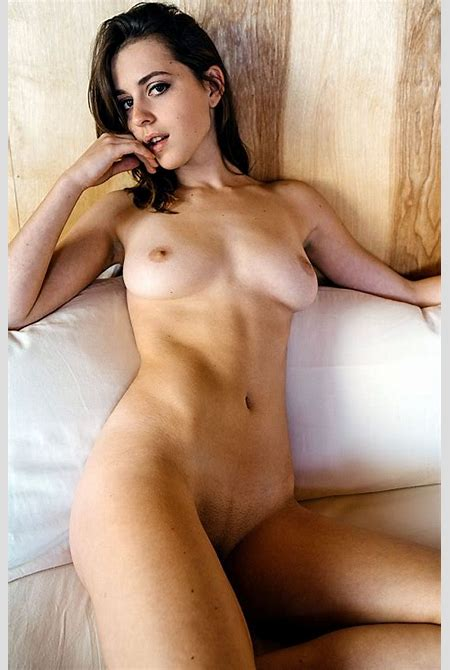 Helen Reilly Nude & Sexy (16 Photos) | #The Fappening