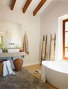 Körbe Fürs Bad : rustikaler stil bad k rbe badewanne handtuchst nder bad badezimmer rustikal badezimmer und ~ Eleganceandgraceweddings.com Haus und Dekorationen