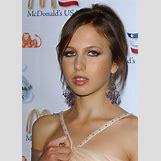 Allegra Beck Versace | 733 x 1024 jpeg 124kB