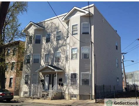 2 Bedroom Apartments For Rent In Newark Nj by 42 Astor St Newark Nj 07114 2 Bedroom Apartment For Rent