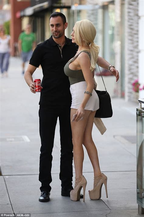 courtney stodden flashes sideboob with mystery man daily