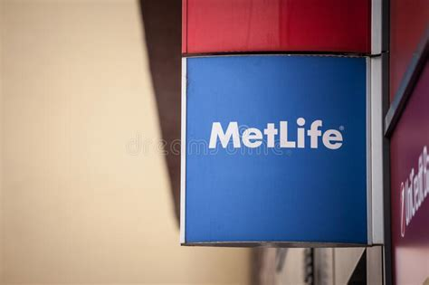 Maximize your opportunities with an industry leader and build an outstanding career we're a leading global insurance company with a strong presence in local insurance and business markets. Metlife Logo In Front Of Their Local Office In Brno ...