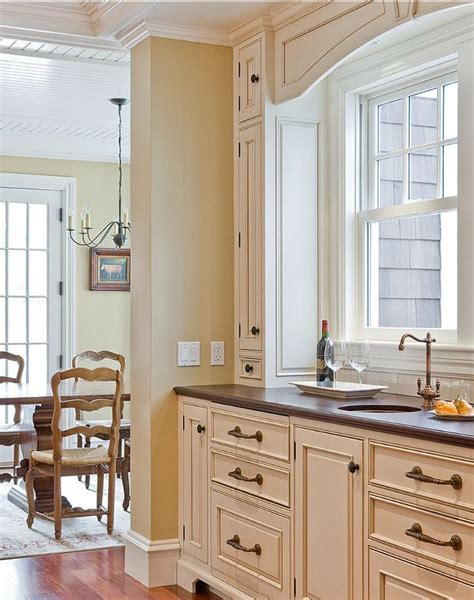 kitchen paint colors with cream cabinets 214 best images about kitchens dining rooms on pinterest