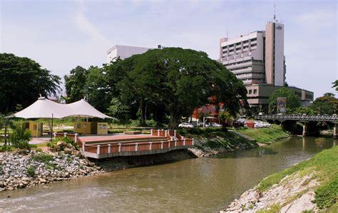 Support For Floating Market Along The Kinta River