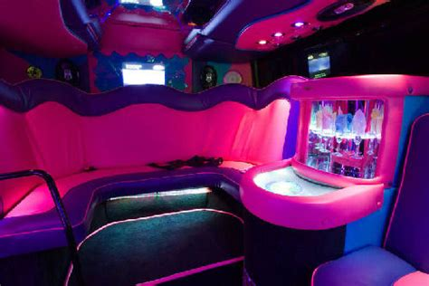 Cheap Limo Hire   Party Bus Page 1   Limo Hire in London