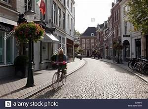 Maastricht Shopping öffnungszeiten : shopping street in maastricht netherlands stock photo 62899957 alamy ~ Eleganceandgraceweddings.com Haus und Dekorationen