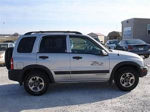2004 Chevrolet Tracker - Information And Photos