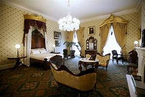 Kee Hua Chee Live!: ABRAHAM LINCOLN'S HAUNTED BEDROOM IN ...