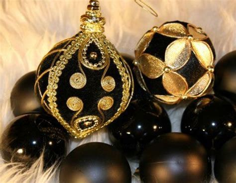 black gold christmas ornaments black and gold lights black and golden decorating ideas black elegance