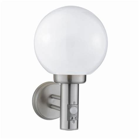 globe outdoor security light 085 the lighting superstore